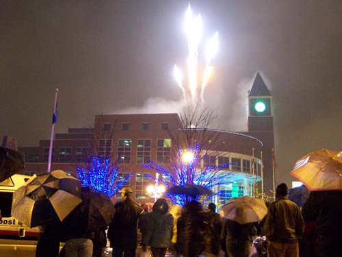 Fireworks on New Years Eve 2007, Brampton City Hall, Ontario