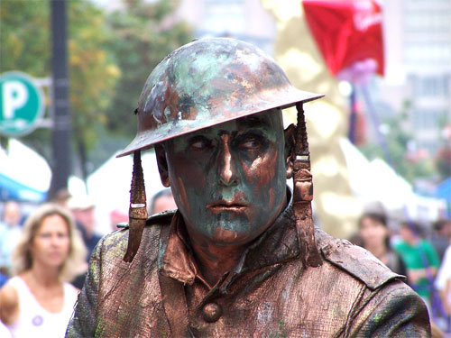 Street performer - statue of a world war one soldier, 2006 Toronto buskerfest