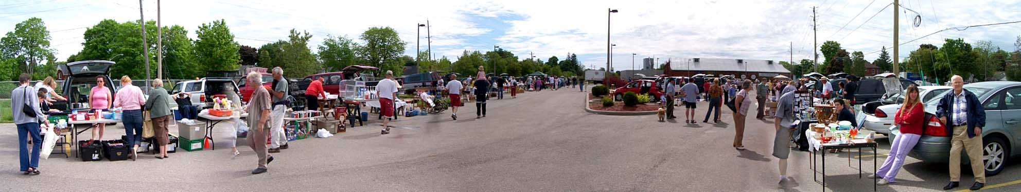 The Saturday morning trunk sale started up again in Acton on May 25, 2007.