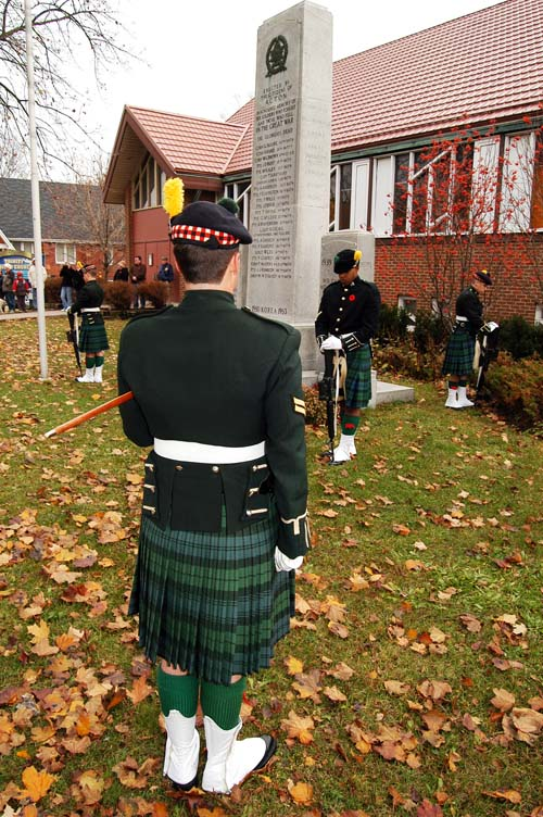 Lorne Scot soldiers form an honour guard around the cenotaph during the 2008 Acton Remembrance Day Parade