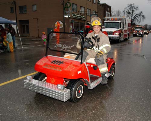 2008 Acton Santa Claus Parade - Fire Department in a little car